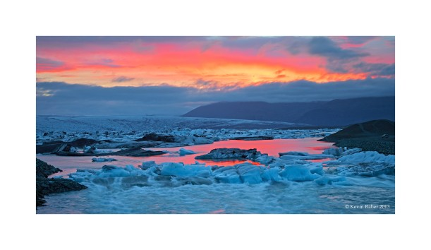 Iceland at Jökulsárlón bay, sunrise - sunset all at the same time
