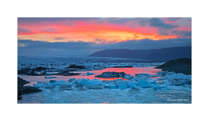 Iceland at Jökulsárlón bay, sunrise - sunset all at the same time