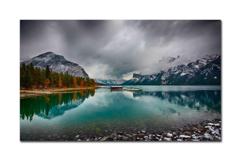 Lake Winnewanka, Canada